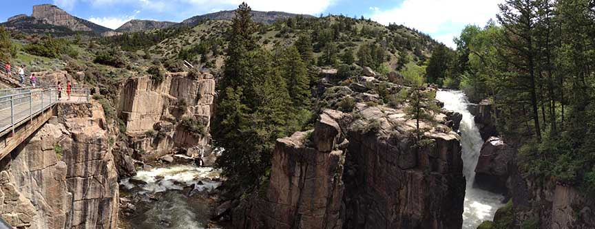 A panoramic view of the observation platform, the chasm, and Shell Creek Falls